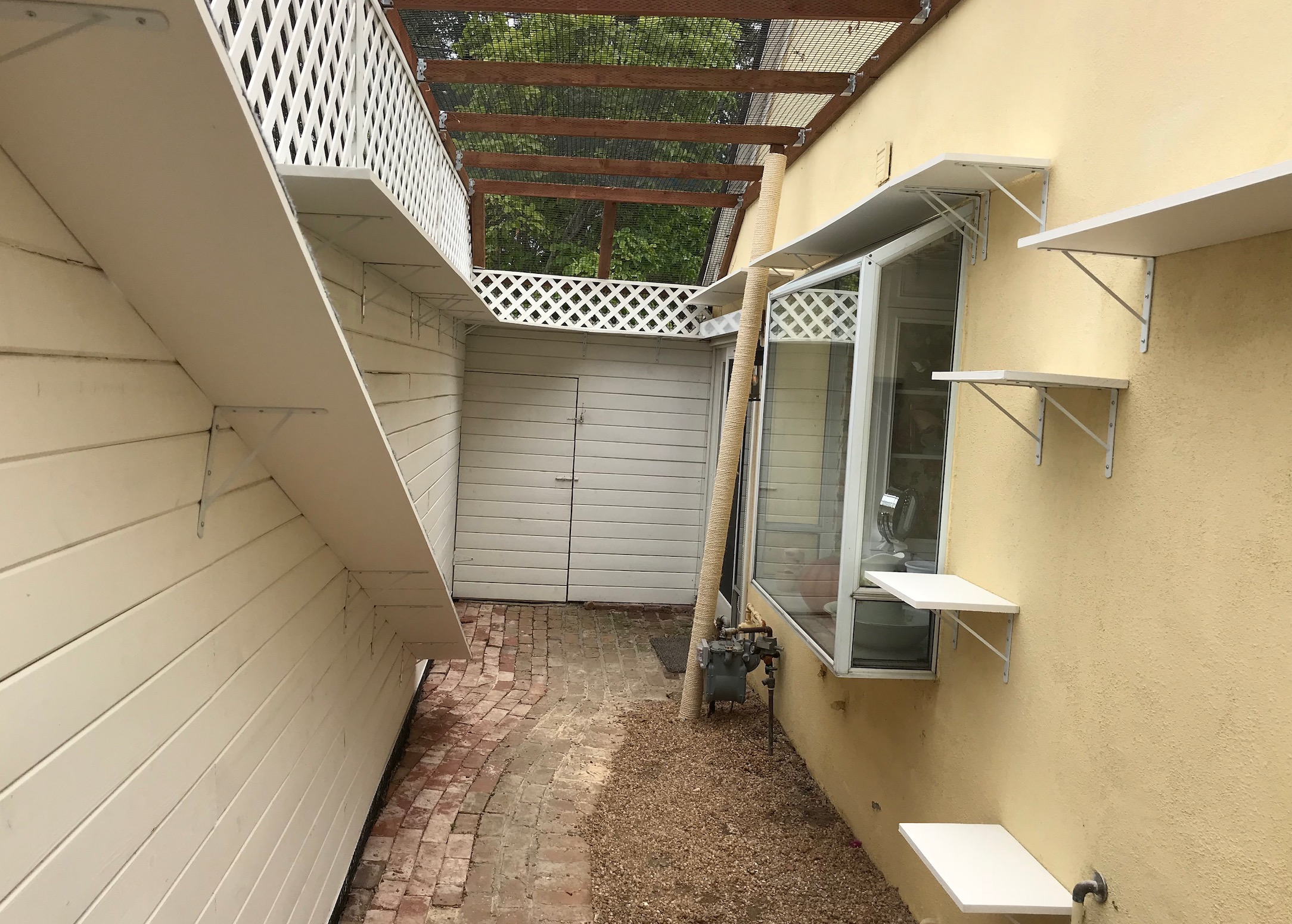 Bel-Air Catio Rear View